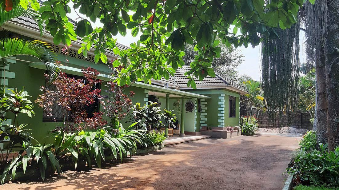 DOE Educatieve reis Oeganda Anna's Place 1100px