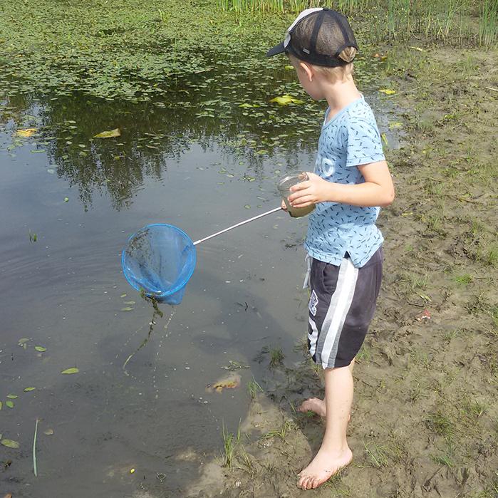 DOE Kind in de natuur Kikkervisjes